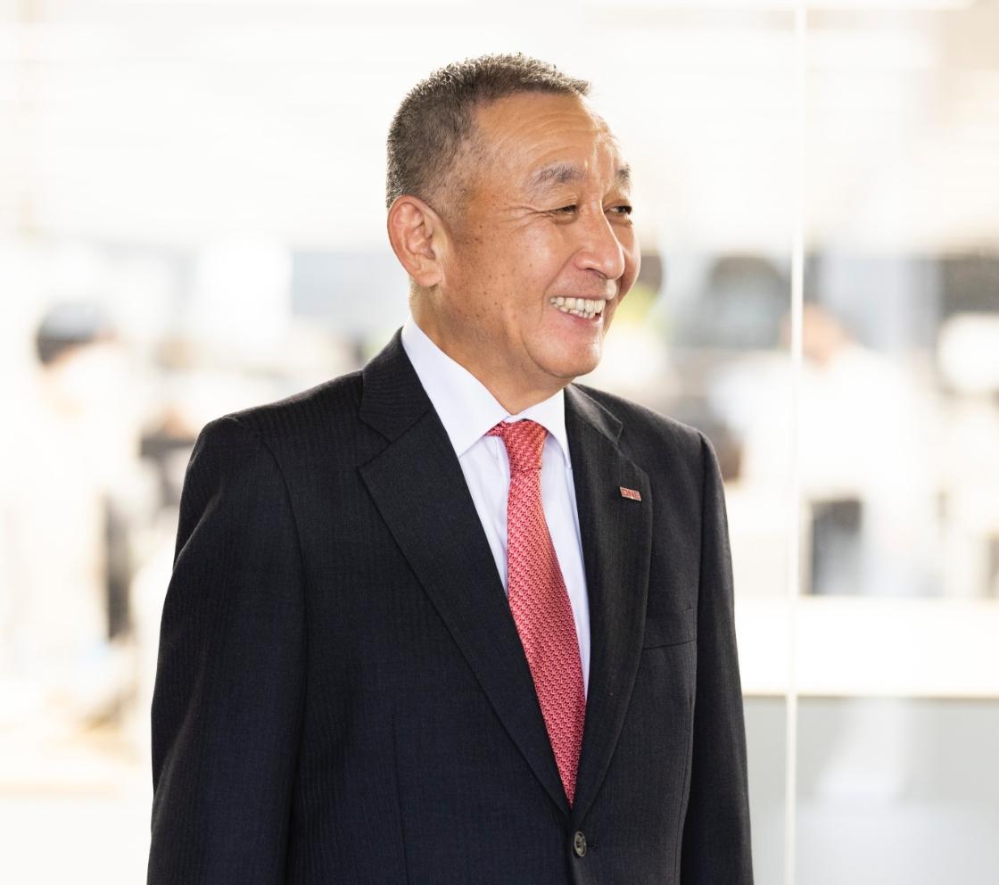 代表取締役社長  中井 拓志